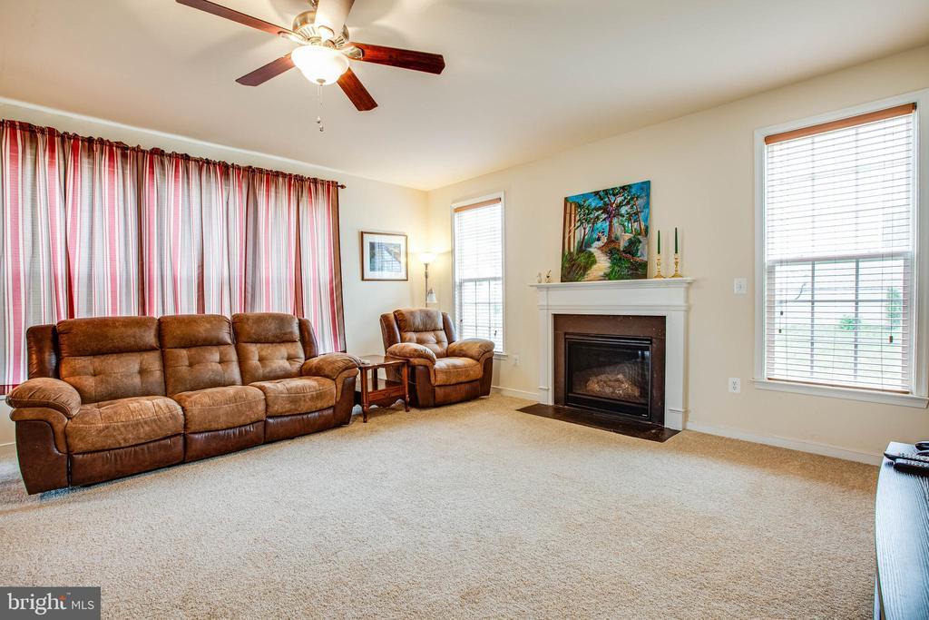 Family room - 1025 SCARLET LN, CULPEPER