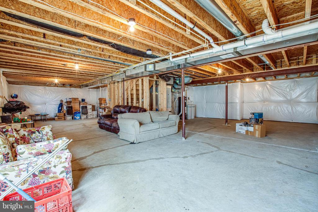 1200 unfinished Square feet - 1025 SCARLET LN, CULPEPER