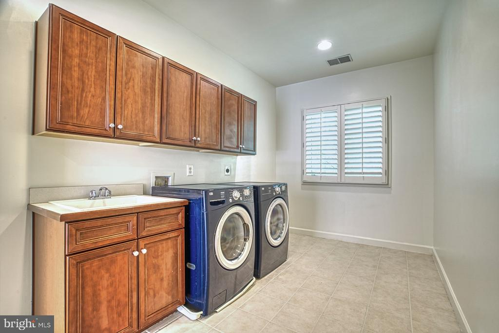Upper Level laundry Room - 41011 ALYSHEBA DR, LEESBURG