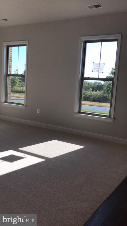 first floor living room - 17103 BRANCHED OAK RD, DUMFRIES