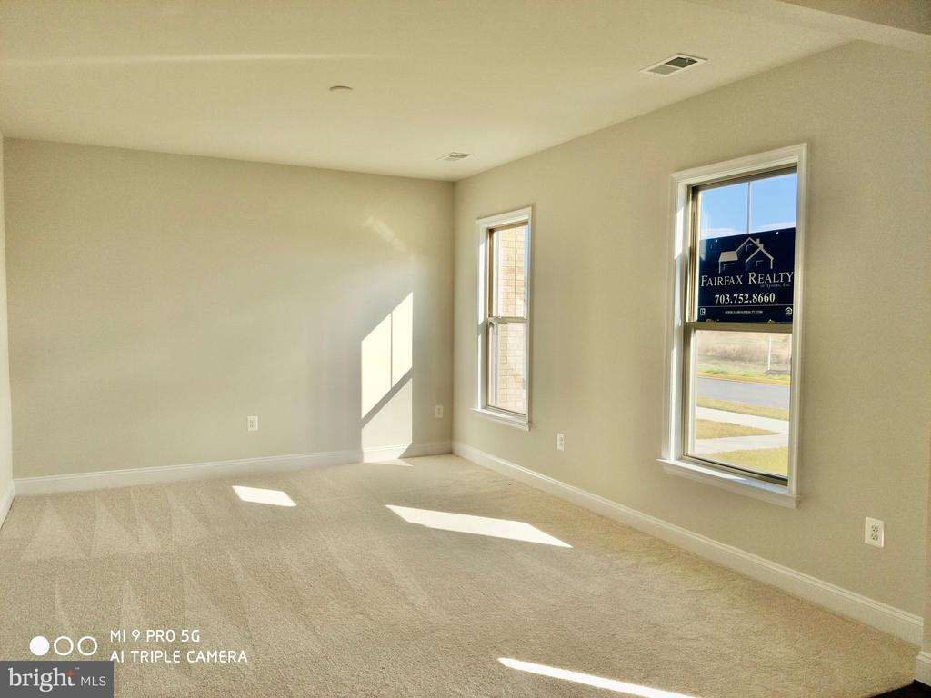 first floor area - 17103 BRANCHED OAK RD, DUMFRIES