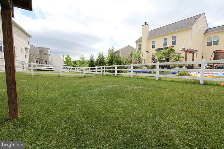 Backyard-ALt view - 17352 TEDLER CIR, ROUND HILL