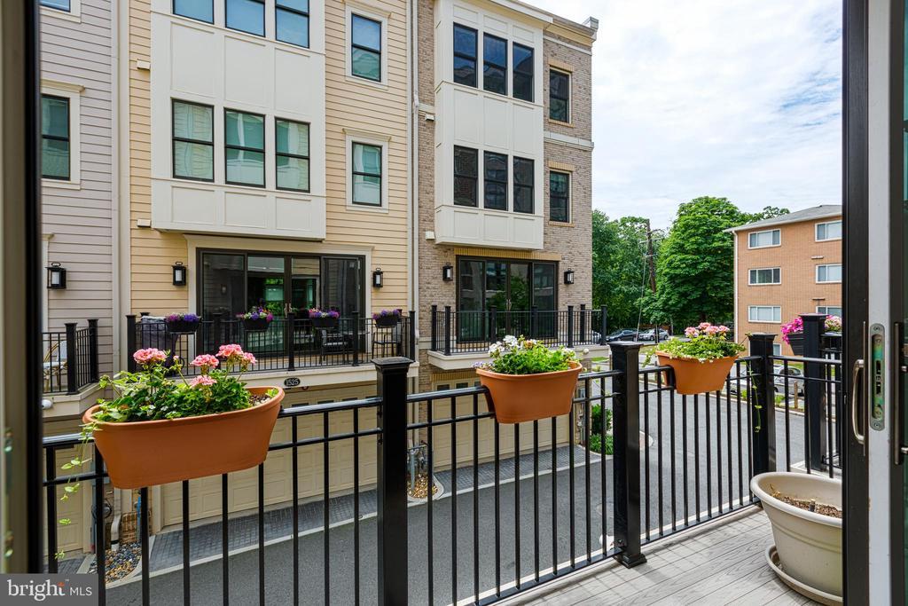 Balcony off kitchen/dining room - 1526 16TH CT N, ARLINGTON