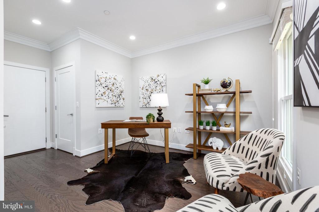Lower level office/rec room - 1526 16TH CT N, ARLINGTON