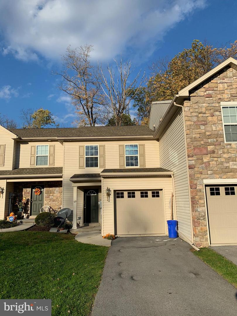 Single Family Homes for Sale at Enola, Pennsylvania 17025 United States