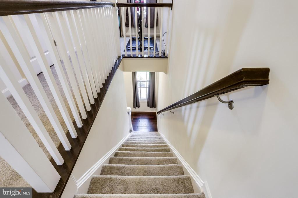 Stairs to Upper-Level - 23297 SOUTHDOWN MANOR TER #116, ASHBURN
