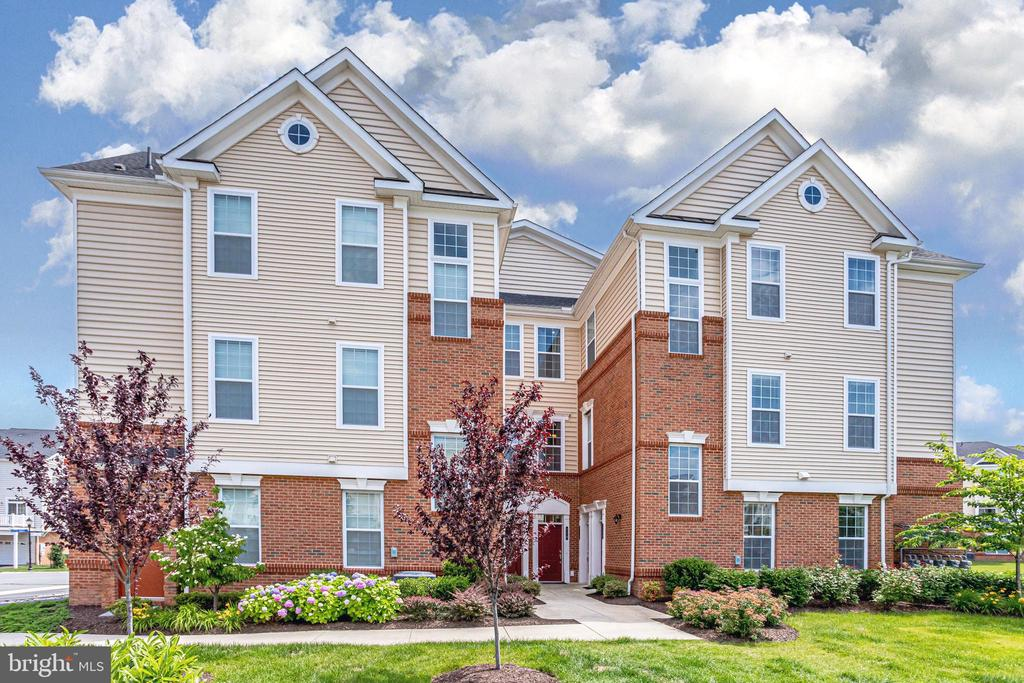 Welcome to 23297 Southdown Manor Ter, #116 - 23297 SOUTHDOWN MANOR TER #116, ASHBURN