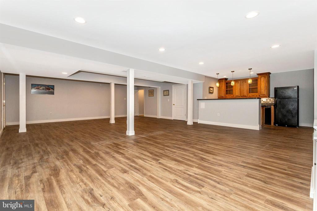 Lower level rec room - convenient wet bar. - 2689 MONOCACY FORD RD, FREDERICK
