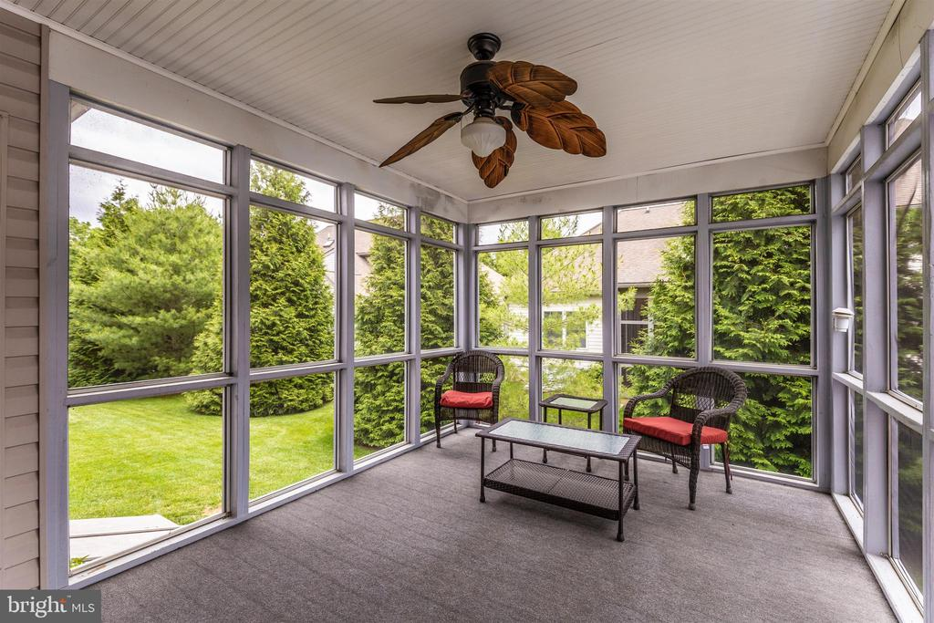 Peaceful screen porch with ceiling fan. - 2689 MONOCACY FORD RD, FREDERICK