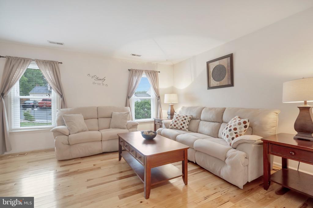 Formal Living Room - 22 BALLANTRAE CT, STAFFORD