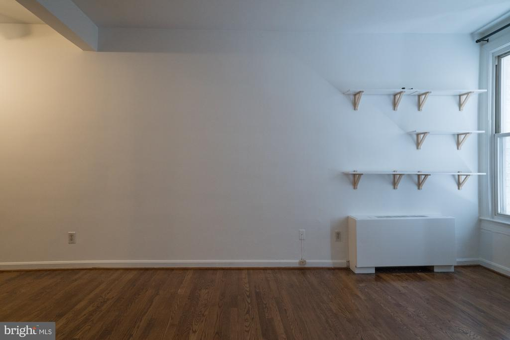 Living area - 1300 MASSACHUSETTS AVE NW #205, WASHINGTON