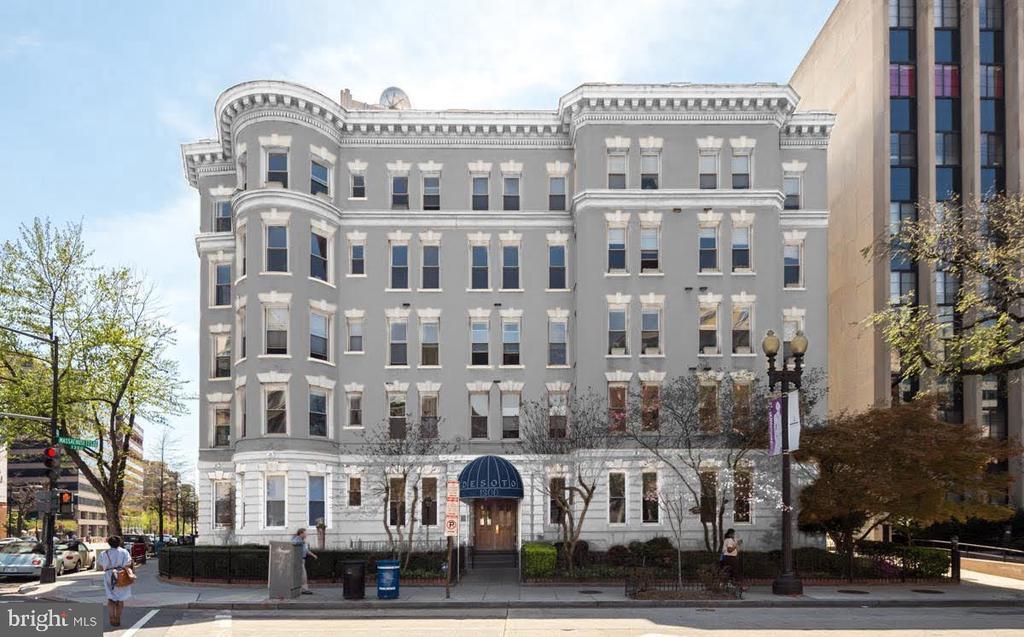 Proposed exterior painting - 1300 MASSACHUSETTS AVE NW #205, WASHINGTON