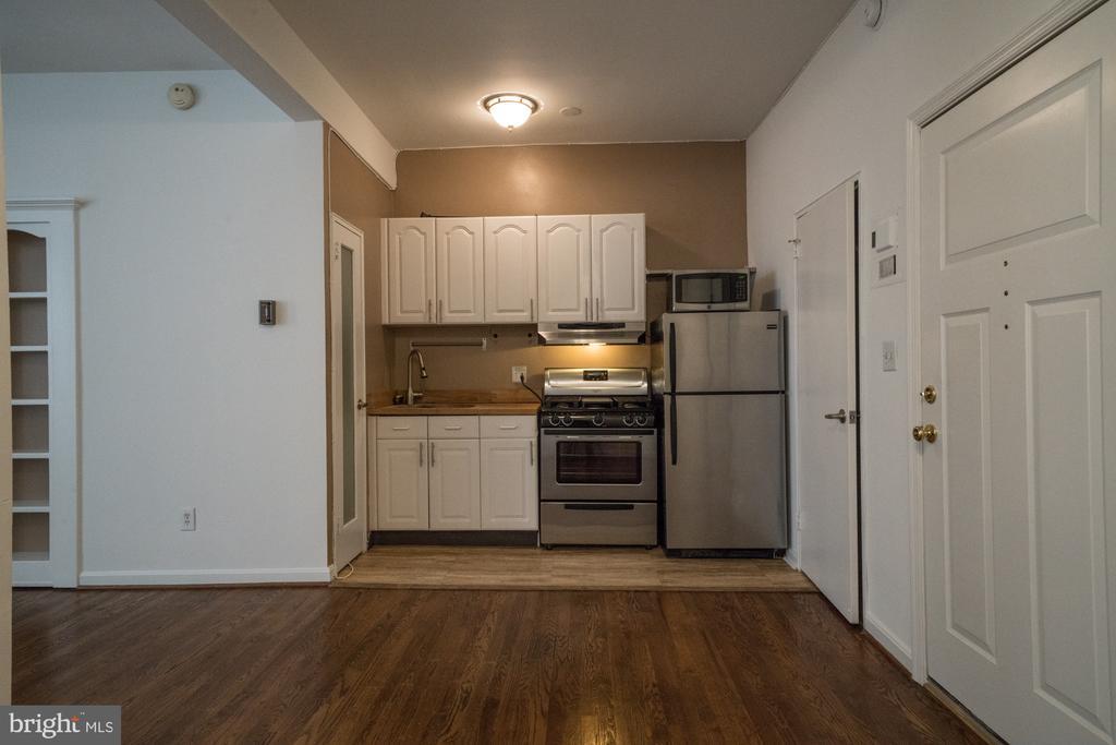 Kitchen area - 1300 MASSACHUSETTS AVE NW #205, WASHINGTON