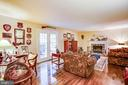 family room - 8105 WATERFORD DR, SPOTSYLVANIA