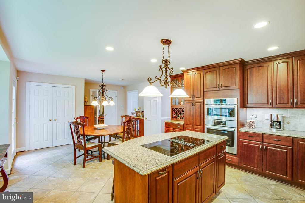 Kitchen - 8105 WATERFORD DR, SPOTSYLVANIA