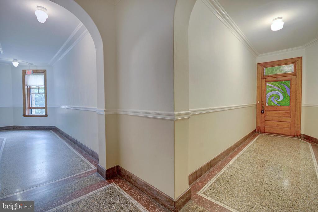 Front Entry Hall + Apartment Entry - 2853 ONTARIO RD NW #205, WASHINGTON