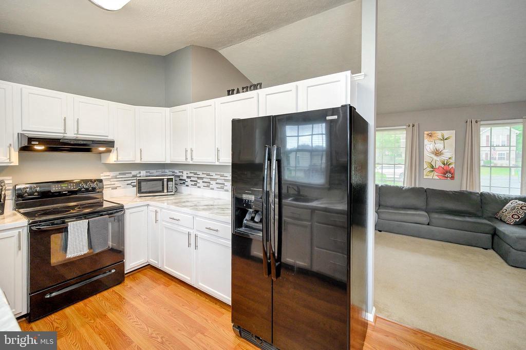 Kitchen - 10109 HERIOT ROW CT, FREDERICKSBURG