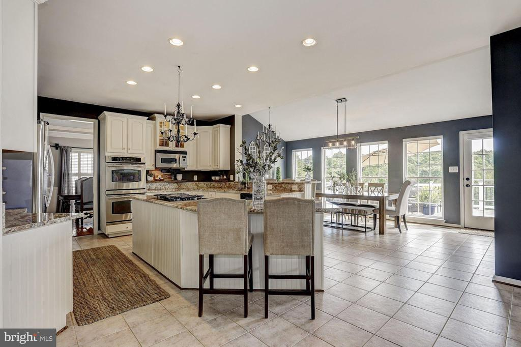 Gourmet Kitchen - 11000 COUNTRY CLUB RD, NEW MARKET