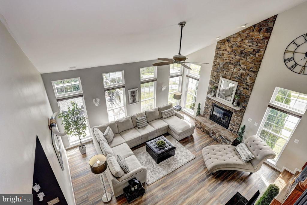 Upper-Level Landing Family Room View - 11000 COUNTRY CLUB RD, NEW MARKET