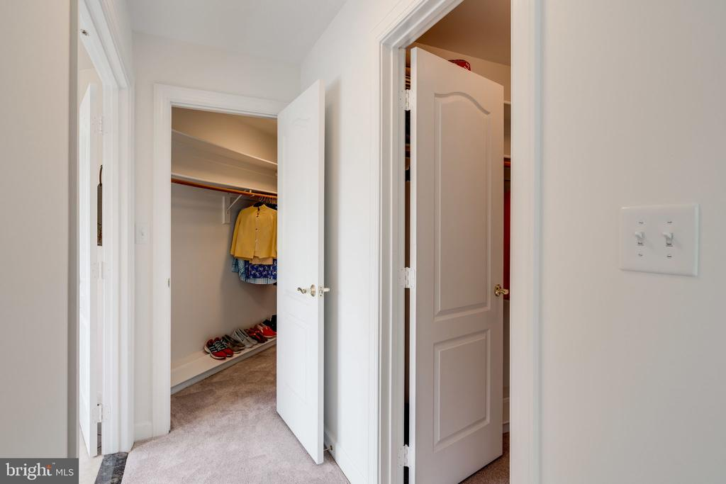 Master Bedroom with His & Hers Walk - in Closets - 9413 ENGLEFIELD CT, FAIRFAX STATION