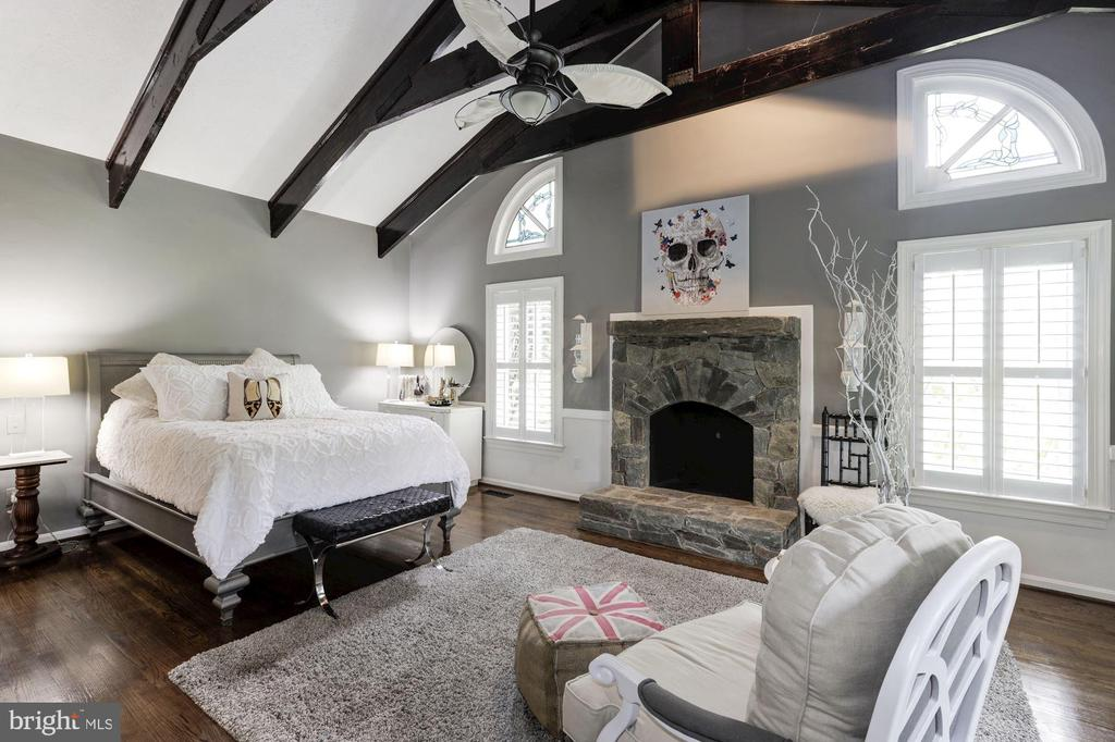Master suite - 16832 OLD WATERFORD RD, PAEONIAN SPRINGS