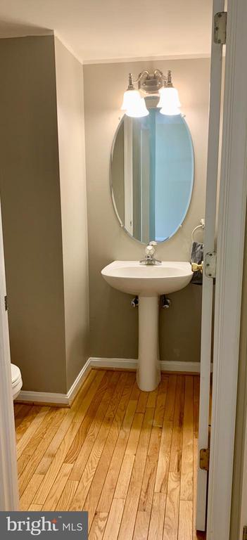 Main level half bath - 15 WENDOVER CT, STAFFORD
