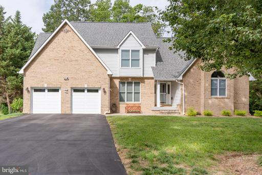 1060 LAKE CLAIRE DR