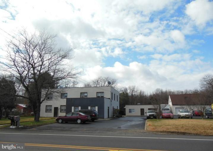 Single Family Homes pour l Vente à Glassboro, New Jersey 08028 États-Unis