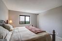 Master Bedroom Suite - 5902 MOUNT EAGLE DR #1406, ALEXANDRIA