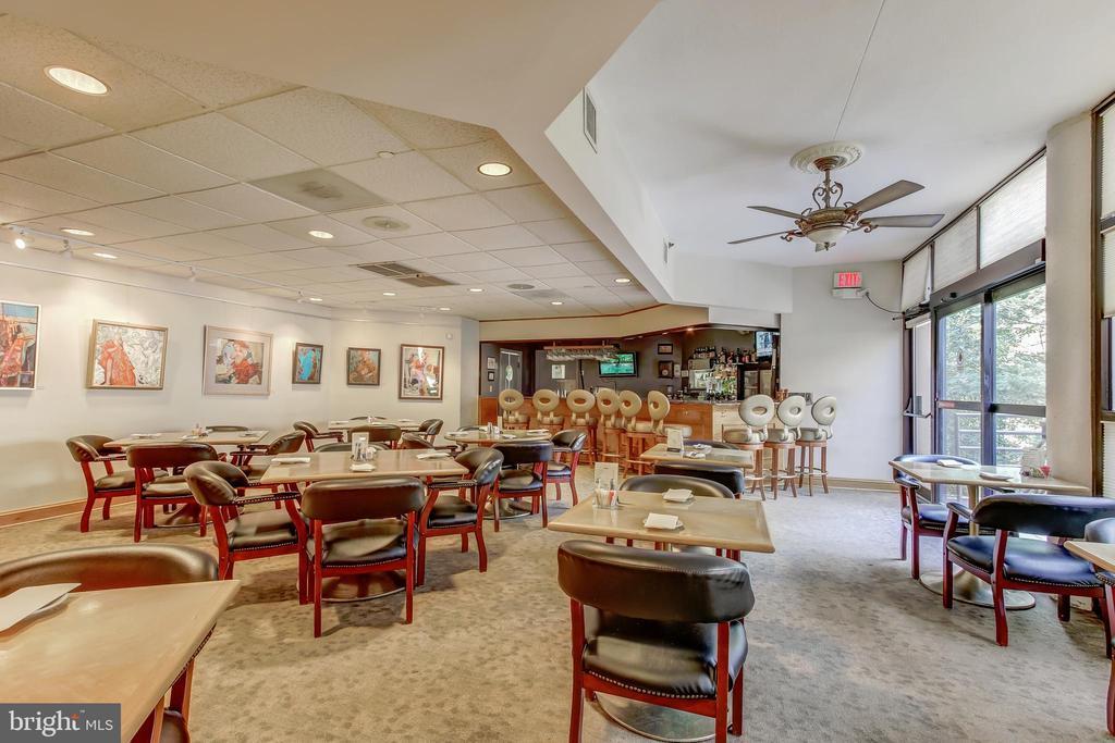 Montebello Restaurant Cafe Bar Lounge! - 5902 MOUNT EAGLE DR #1406, ALEXANDRIA