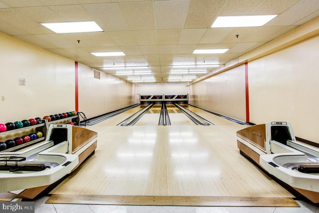 Montebello Community Center Bowling Alley - 5902 MOUNT EAGLE DR #1406, ALEXANDRIA