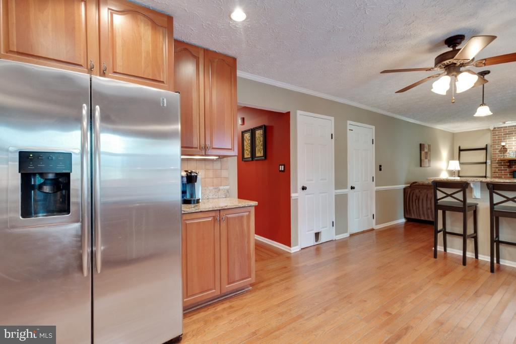 Stainless Steel Appliances - 109 N LAURA ANNE DR, STERLING