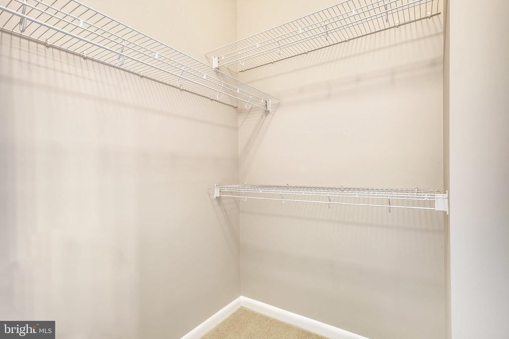 Master bedroom walk in closet - 1021 N GARFIELD ST #1030, ARLINGTON