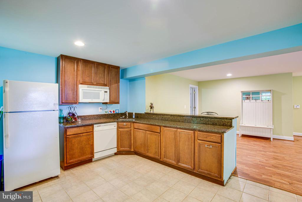 Basement kitchen - 12103 SAWHILL BLVD, SPOTSYLVANIA