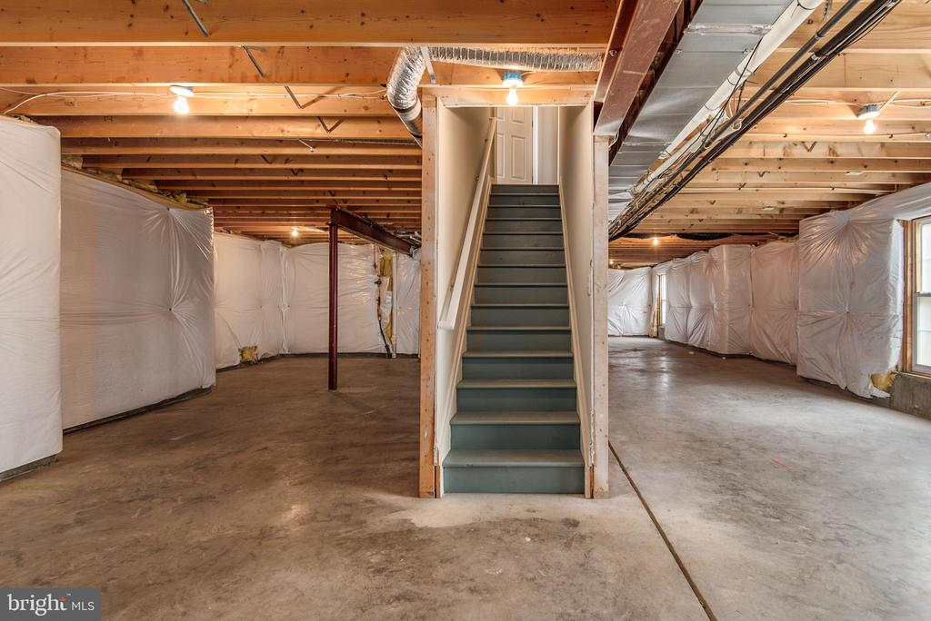 Walk-out basement with space to expand as you like - 29 NEABSCO DR, FREDERICKSBURG