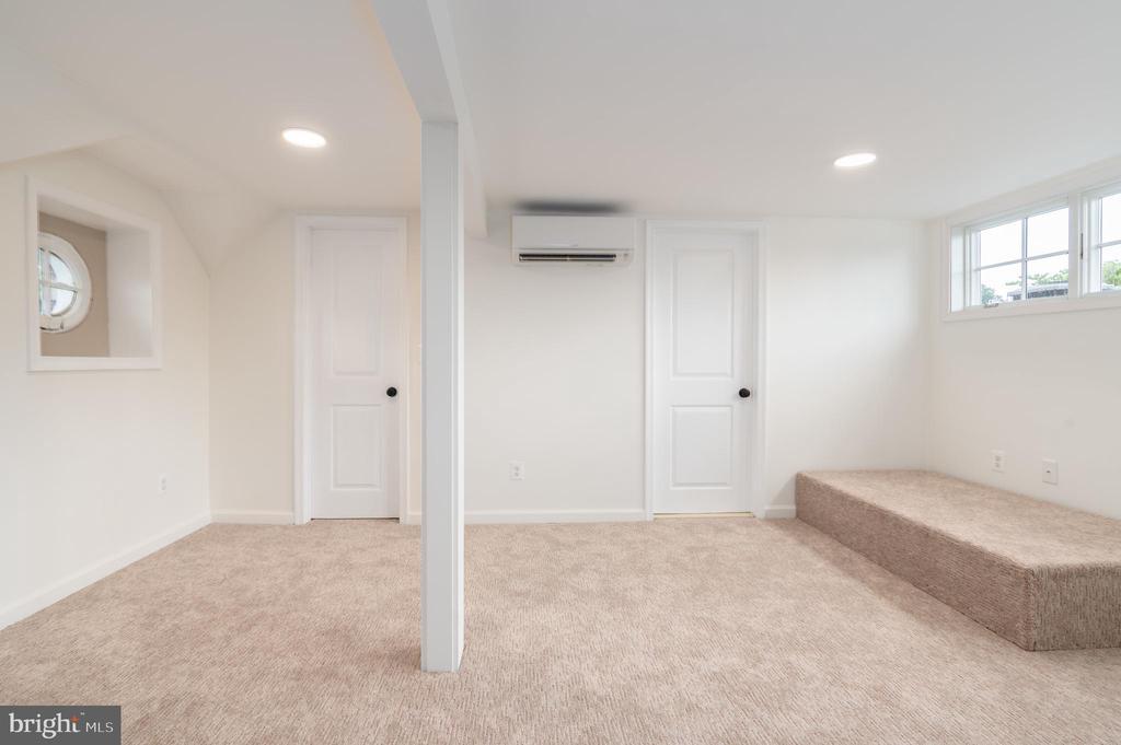 Top Floor Bedroom or Office - 2829 29TH ST NW, WASHINGTON