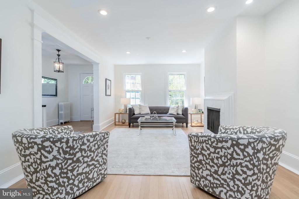 Living Room with Natural Light - 2829 29TH ST NW, WASHINGTON
