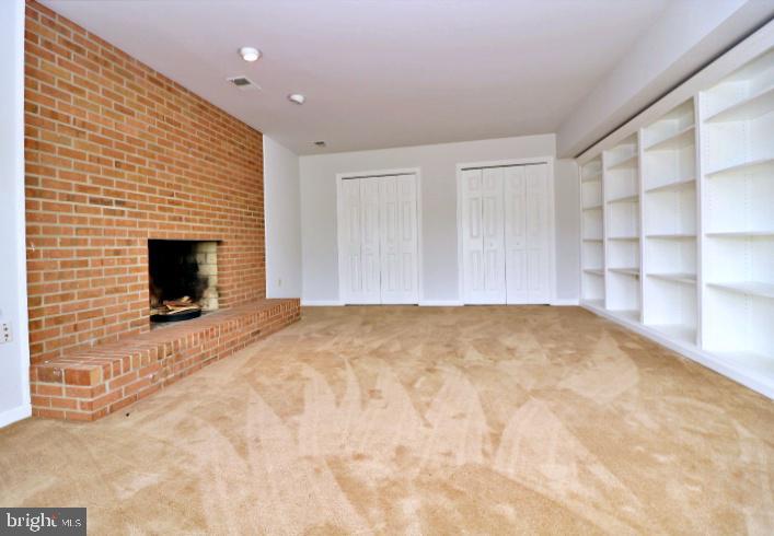 Lower level family room - 19745 SHELBURNE GLEBE RD, PURCELLVILLE