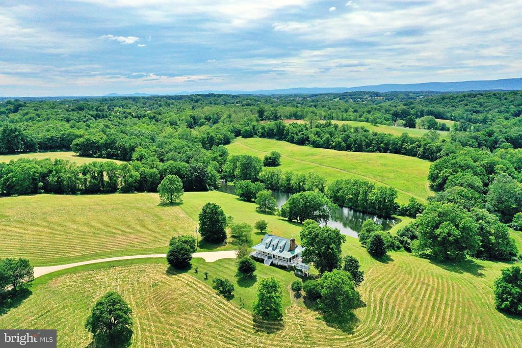Rolling Virginia countryside - 19745 SHELBURNE GLEBE RD, PURCELLVILLE