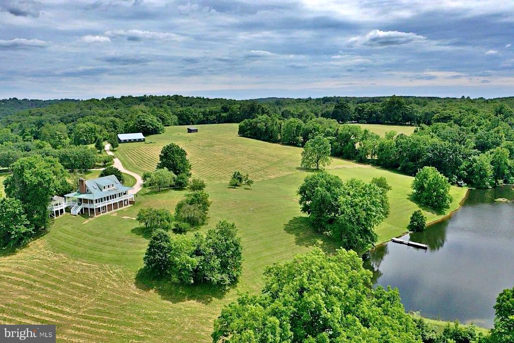 190 Private and Secluded Acres - 19745 SHELBURNE GLEBE RD, PURCELLVILLE