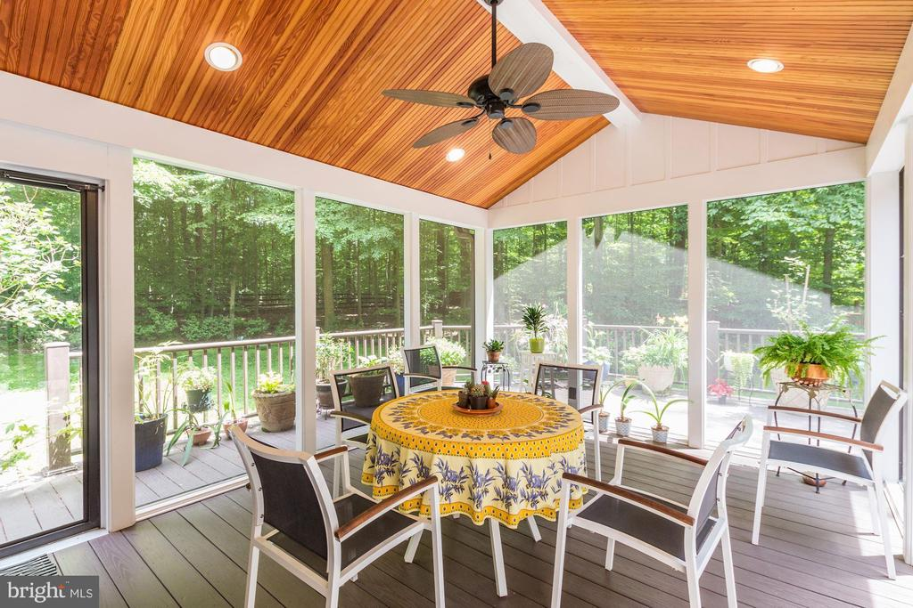 Screened-in Porch with cathedral ceiling - 17007 BARN RIDGE DR, SILVER SPRING
