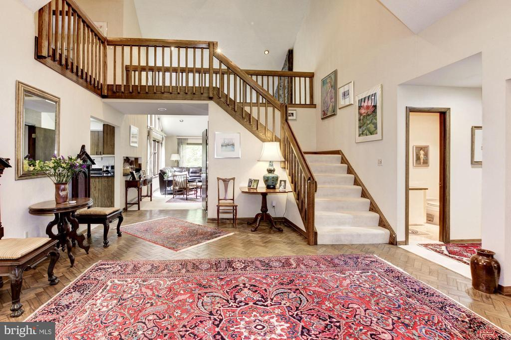Front Foyer showing stairwell to upper level - 17007 BARN RIDGE DR, SILVER SPRING