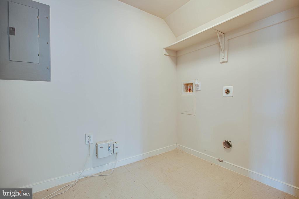 Laundry room - 1015 MYRICK ST, FREDERICKSBURG