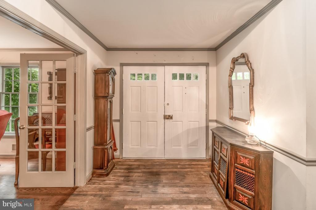 Foyer facing Front Double Doors - 8601 CATHEDRAL FOREST DR, FAIRFAX STATION