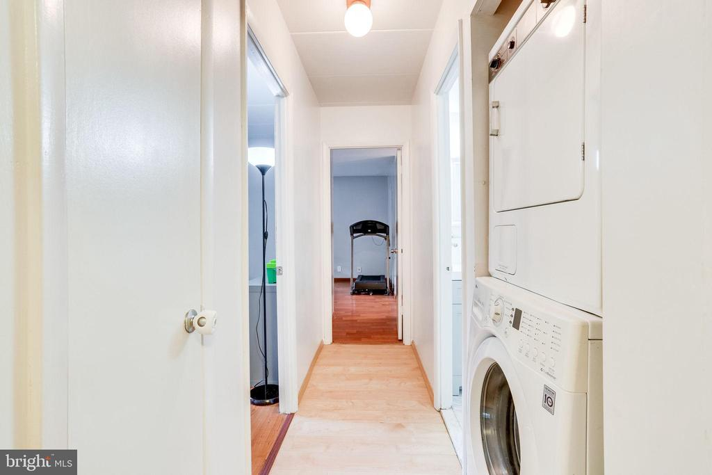 Washer/Dryer in Unit - 6280 EDSALL RD #201, ALEXANDRIA