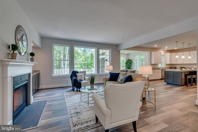 Single Family Homes pour l Vente à Gambrills, Maryland 21054 États-Unis