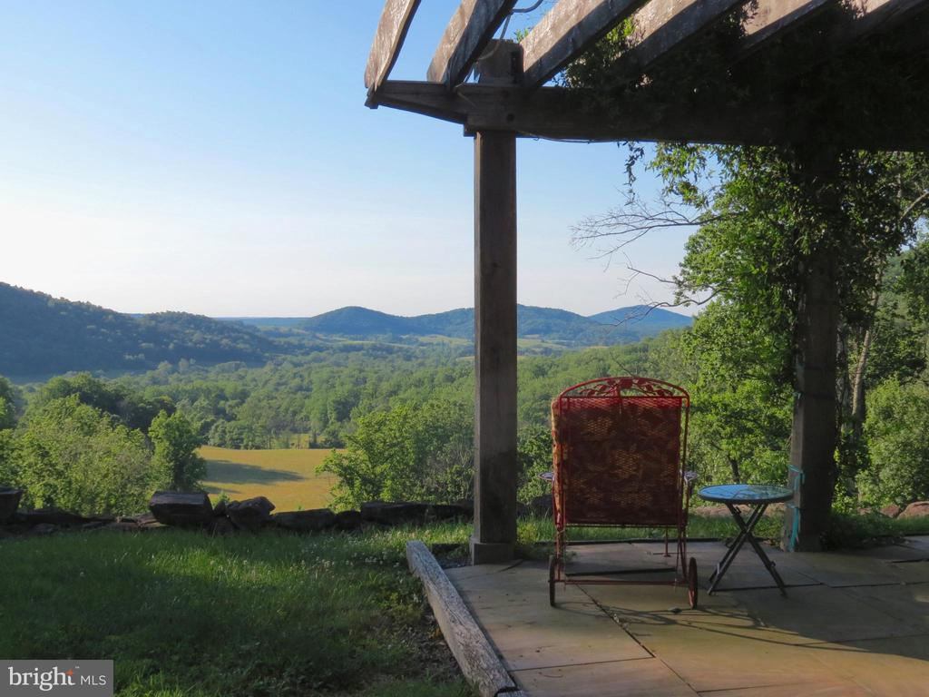 Early morning view for your coffee - 140 HORSESHOE HOLLOW LN, WASHINGTON