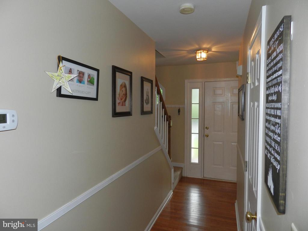 Entryway for wall of fame! - 10118 S FULTON DR, FREDERICKSBURG