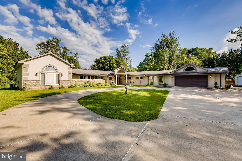 Single Family Homes pour l Vente à Stevenson, Maryland 21153 États-Unis