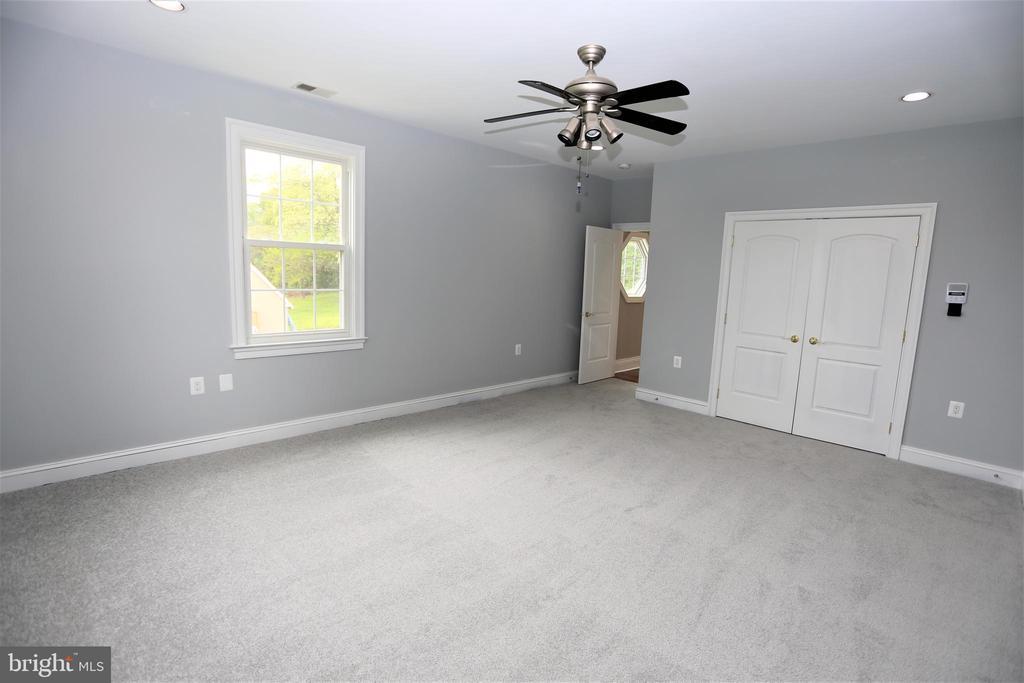 Bedroom 4 - 28500 RIDGE RD, MOUNT AIRY